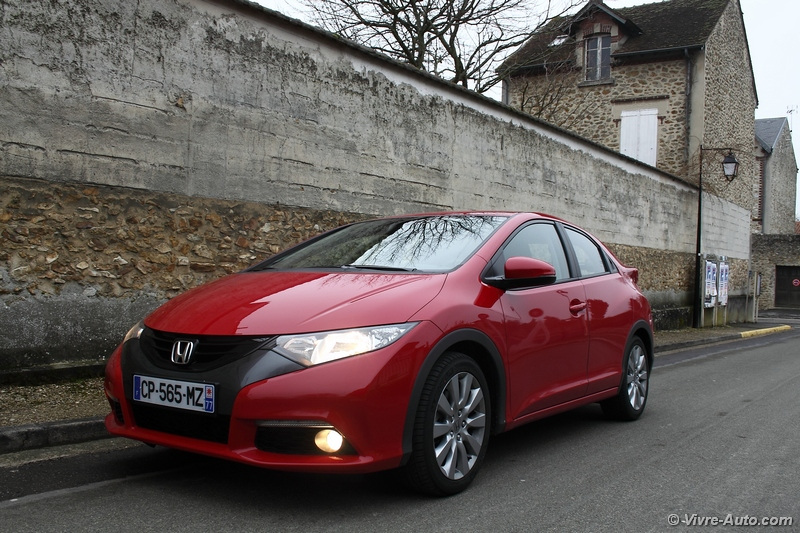 Lire l'article « Essai Honda Civic 1.6 i-DTEC 120 »