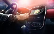 Renault lance sa tablette intégrée et connectée R-Link