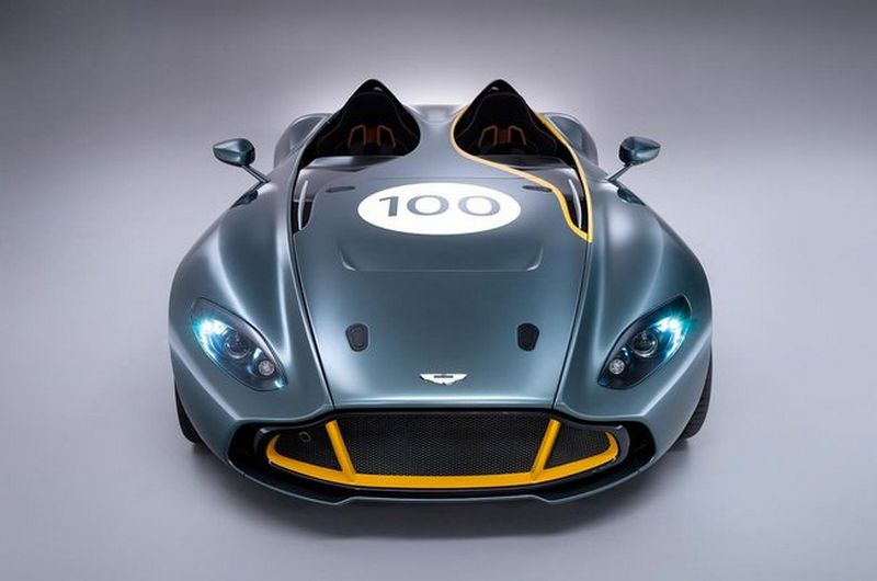 Lire l'article «Aston Martin CC100 Speedster Concept»