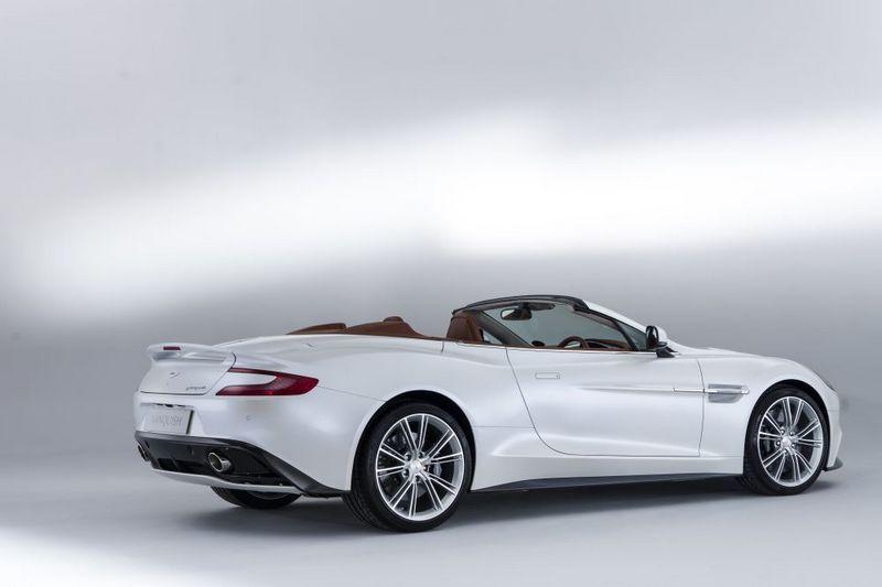 Lire l'article «Aston Martin Vanquish Volante»