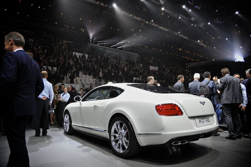 Lire l'article « Bentley Continental GT V8 S Coupé et Convertible »