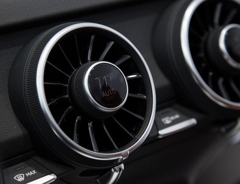 Lire l'article «Future Audi TT : première photos du tableau de bord»