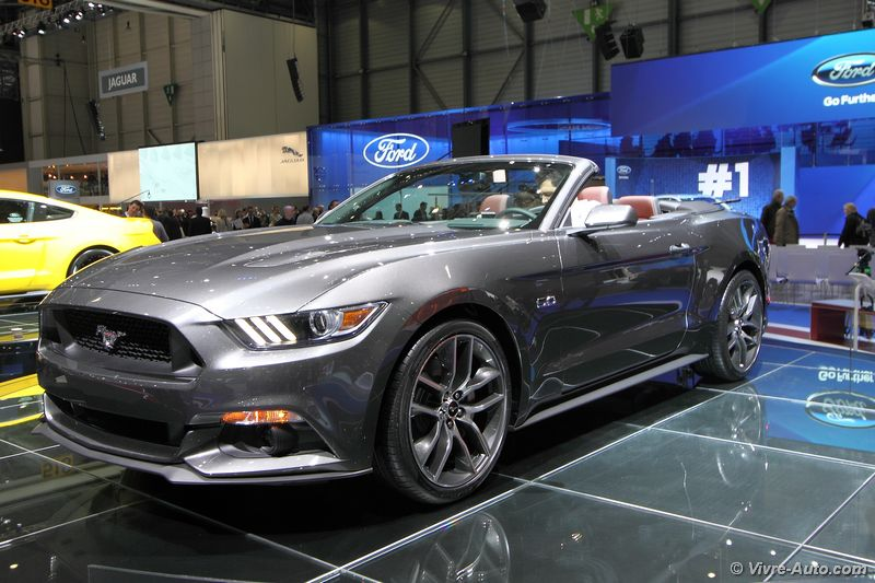 nouvelle ford mustang cabriolet en route pour l 39 europe. Black Bedroom Furniture Sets. Home Design Ideas