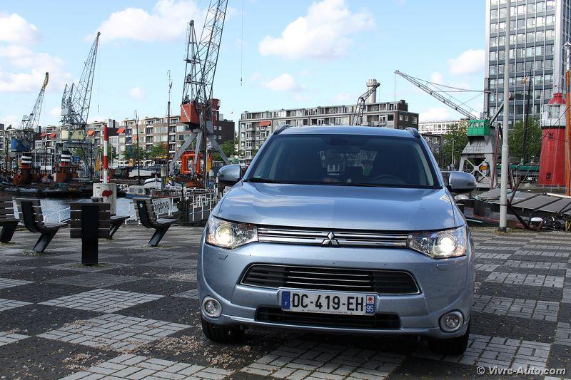 Lire l'article «Essai Mitsubishi Outlander PHEV»