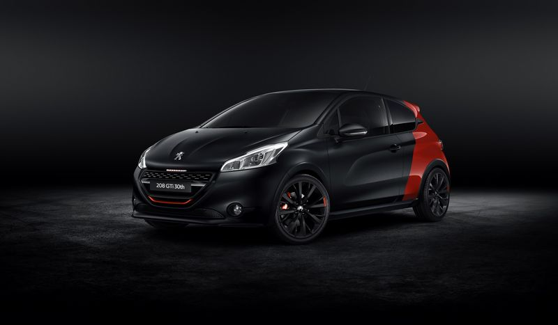 Lire l'article « Peugeot 208 GTi 30th Anniversary Edition : plus radicale ! »