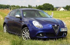 alfa romeo giulietta restylage pour 2014. Black Bedroom Furniture Sets. Home Design Ideas