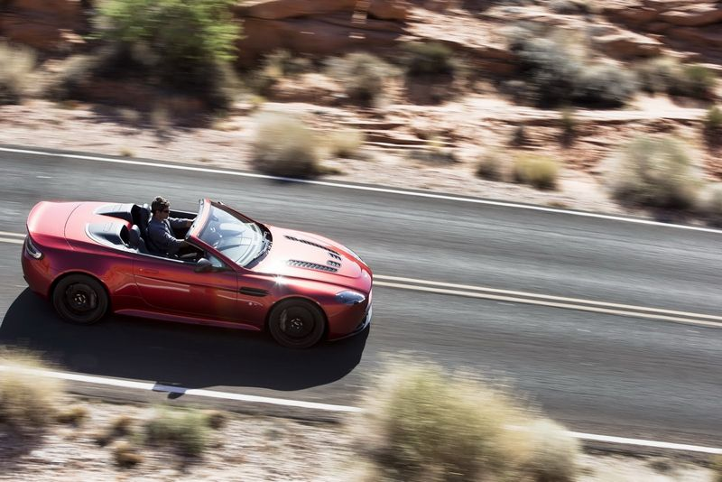 Lire l'article « Aston Martin V12 Vantage S Roadster »