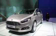 vivre-auto-salon-paris-2014-stand-ford-12