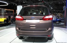 vivre-auto-salon-paris-2014-stand-ford-21