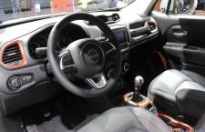 vivre-auto-salon-paris-2014-stand-jeep-04