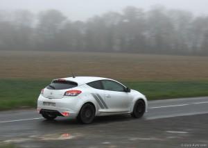 Renault Megane RS Trophy 275 - essai sur Vivre Auto