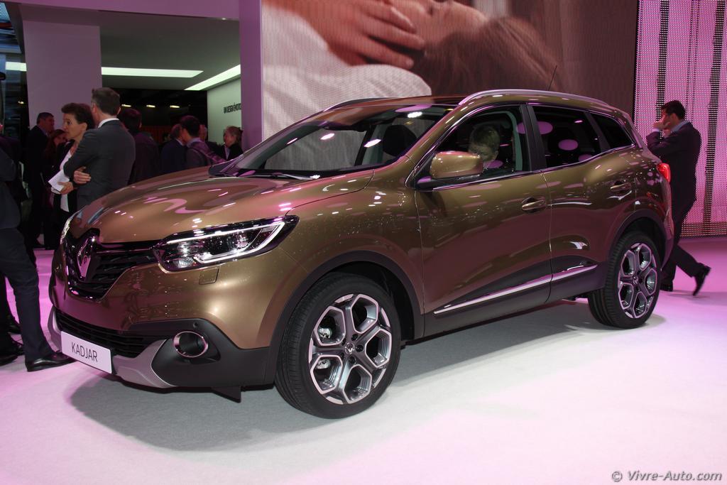Lire l'article «Genève 2015 : les photos du stand Renault»