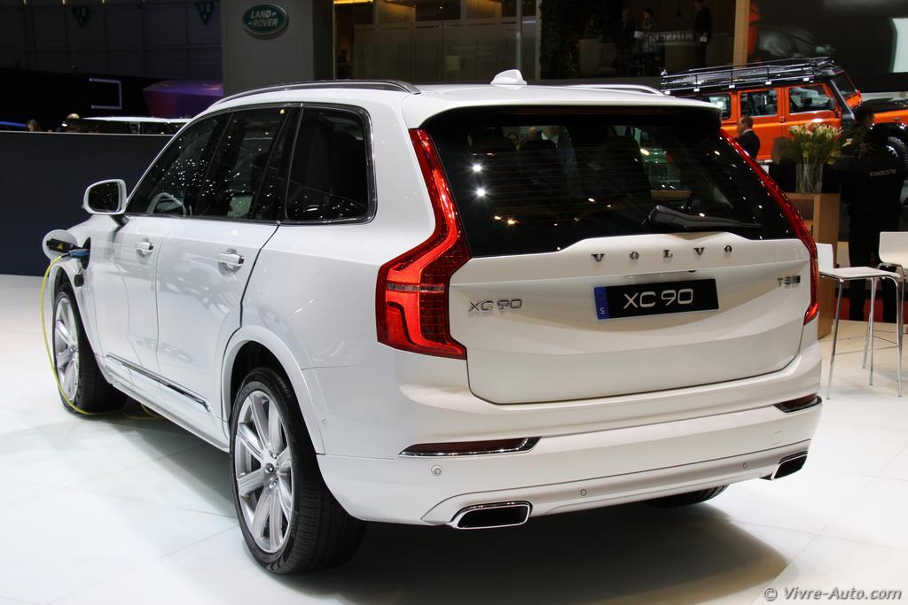 Lire l'article «Genève 2015 : les photos du stand Volvo»
