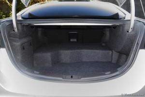 Ford Mondeo Hybrid coffre - essai Vivre Auto