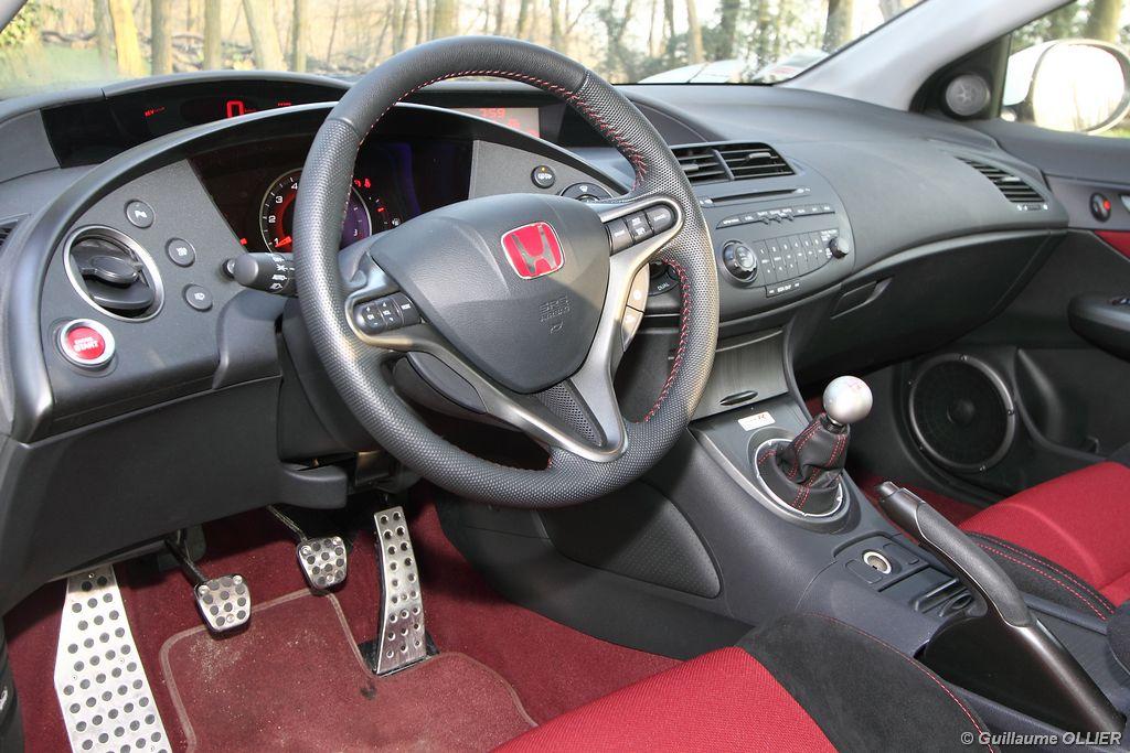 Lire l'article «Essai Honda Civic Type R»