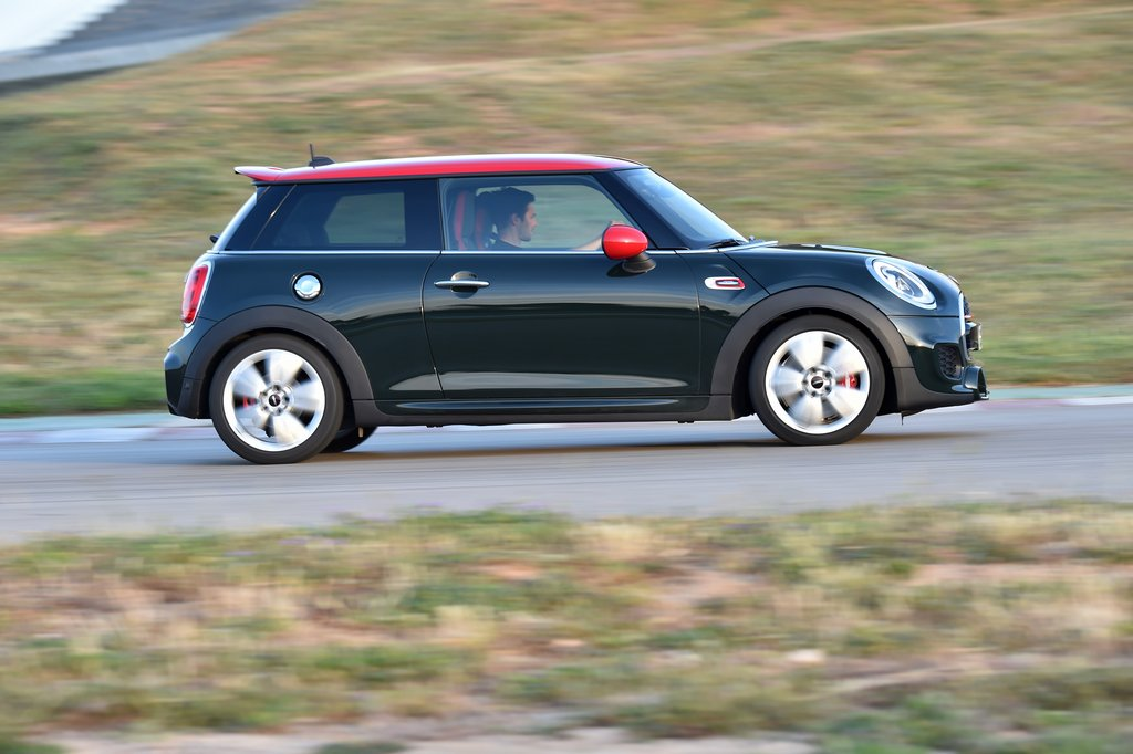 Lire l'article « Nouvelle Mini John Cooper Works, 231 ch ! »