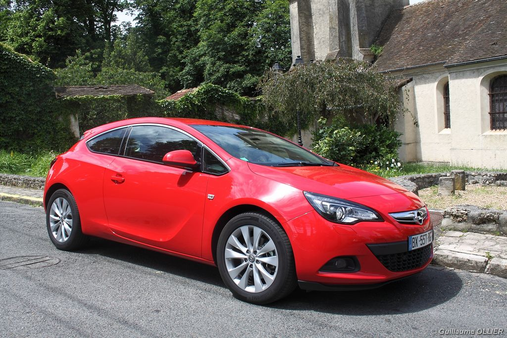 Lire l'article «Essai Opel Astra GTC CDTi 165»