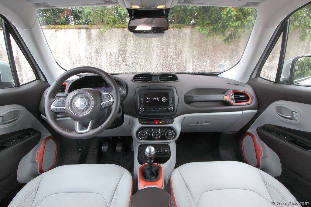 Essai jeep renegade 4x2 multijet 120 l 39 italo am ricain for Interieur jeep