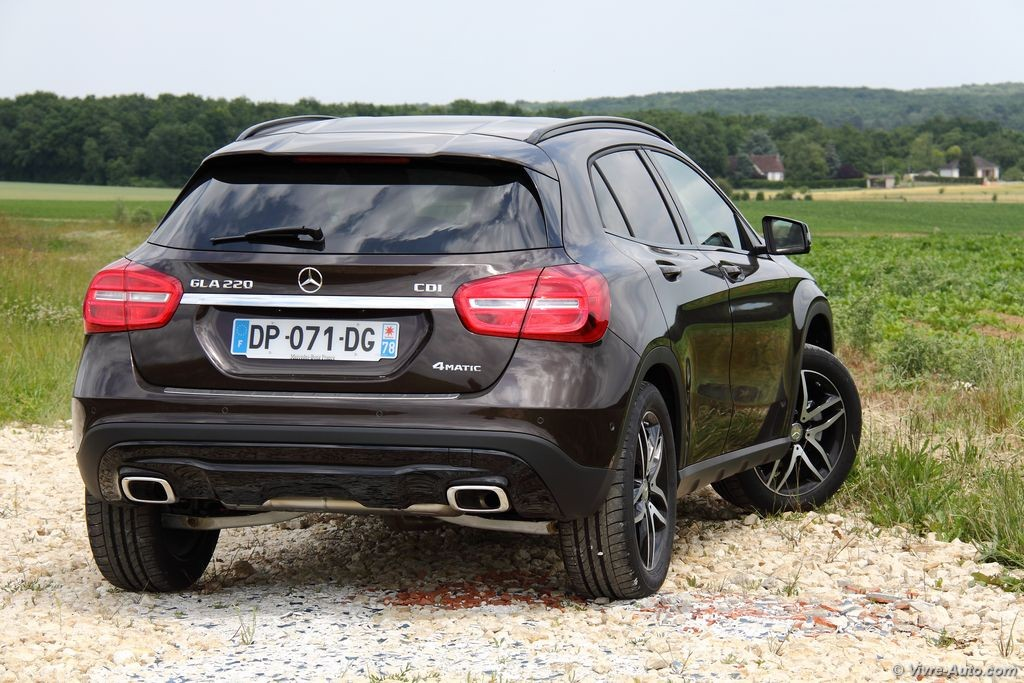 essai mercedes gla 220 cdi 4matic le suv compact toil. Black Bedroom Furniture Sets. Home Design Ideas