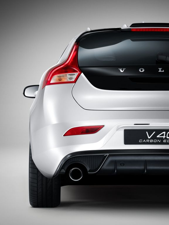 volvo v40 carbon edition seulement 20 exemplaires. Black Bedroom Furniture Sets. Home Design Ideas