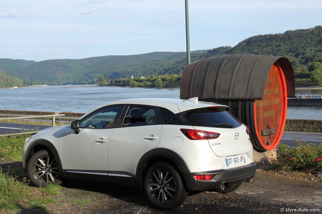 Lire l'article « Essai Mazda CX-3 Skyactiv-D 105, un crossover attachant ! »