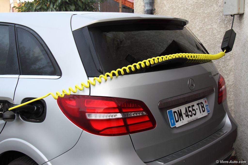 Lire l'article «Essai Mercedes Classe B 250 e, le monospace électrique»