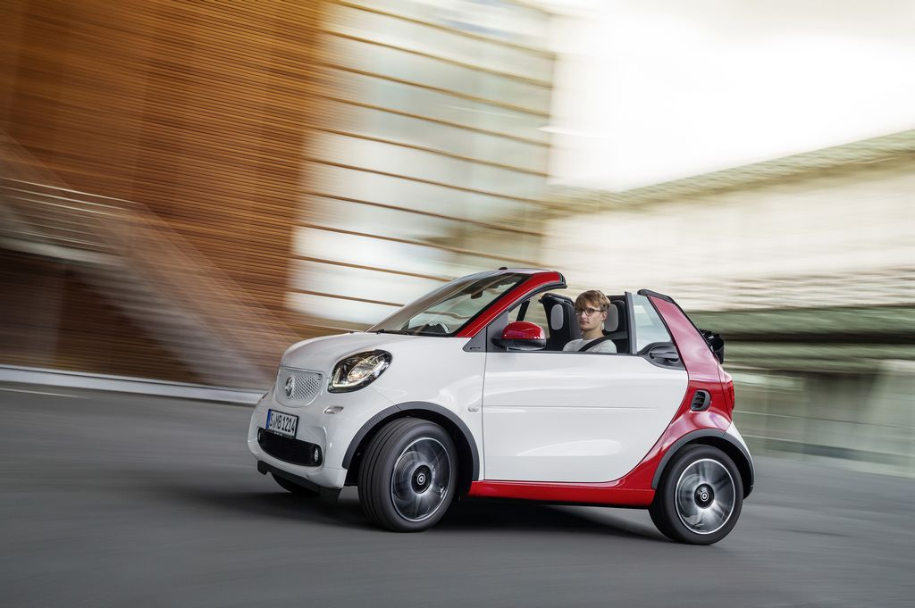 Lire l'article « La Smart Fortwo Cabriolet en photos à Francfort »