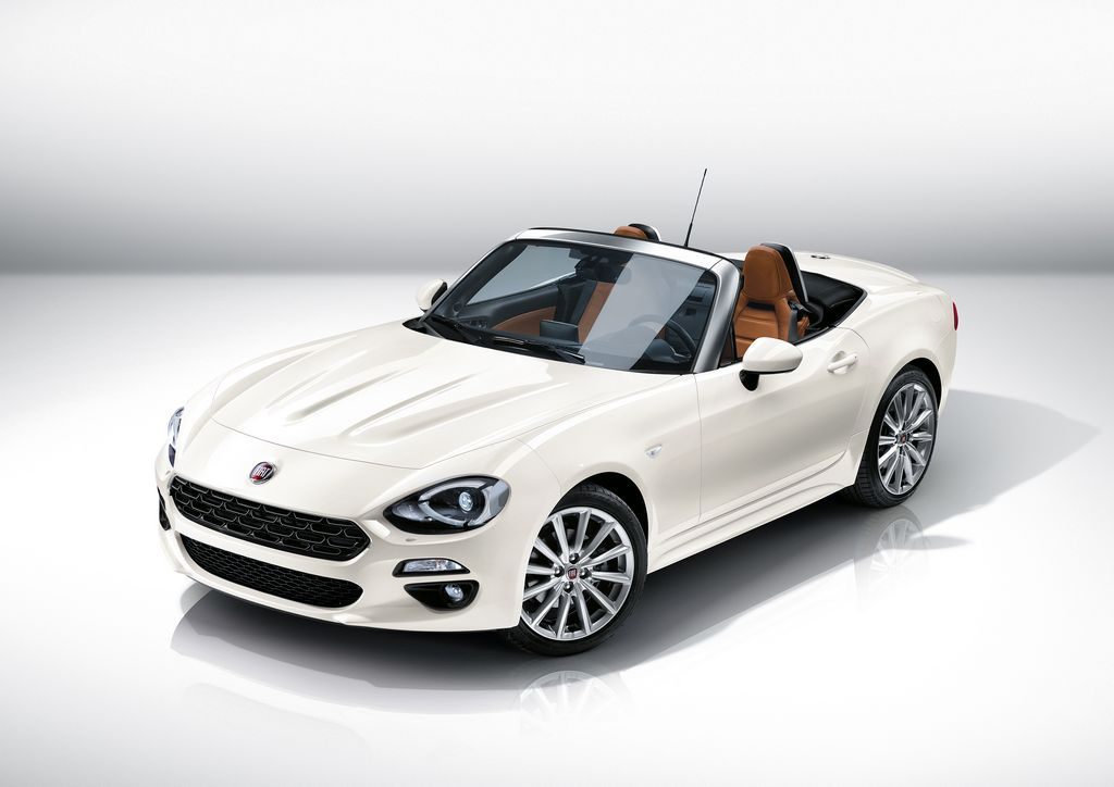 Lire l'article « Le Fiat 124 Spider refait surface ! »