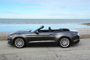 Essai Ford Mustang Convertible Ecoboost - Vivre-Auto