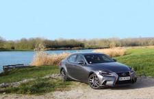 Essai Lexus IS 300h, une alternative aux routières Diesel