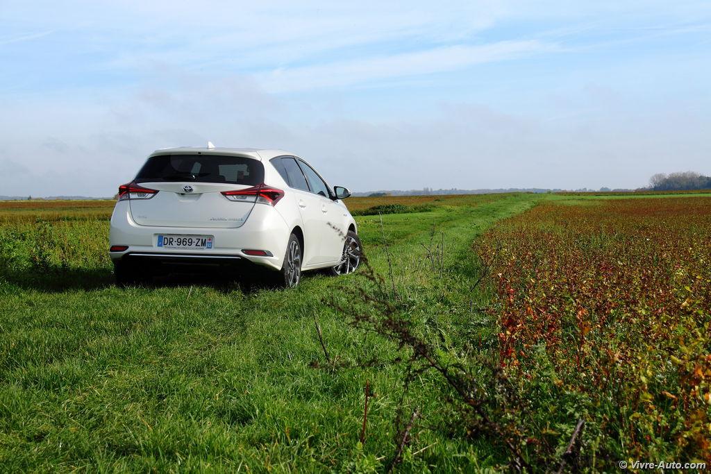 Lire l'article «Essai Toyota Auris Hybride restylée, la version à succès»