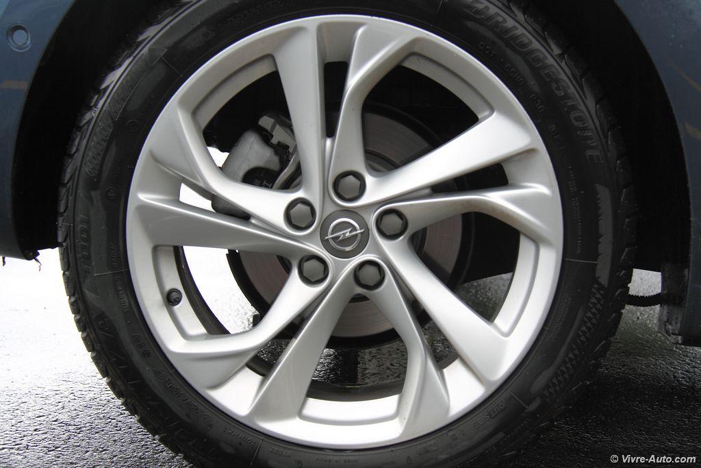 Lire l'article «Essai Opel Astra CDTI 136, de gros progrès !»
