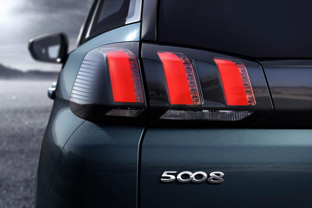 Lire l'article «Nouveau Peugeot 5008 2017, en mode SUV»