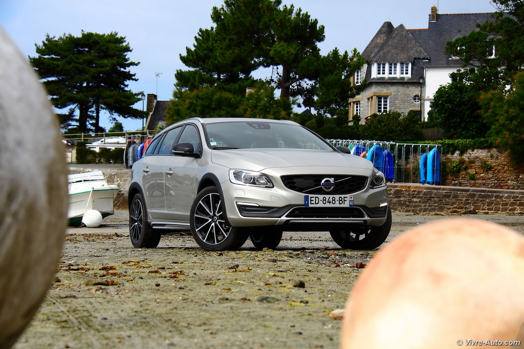 Lire l'article «Essai Volvo V60 Cross Country D4 AWD, le sérieux scandinave»