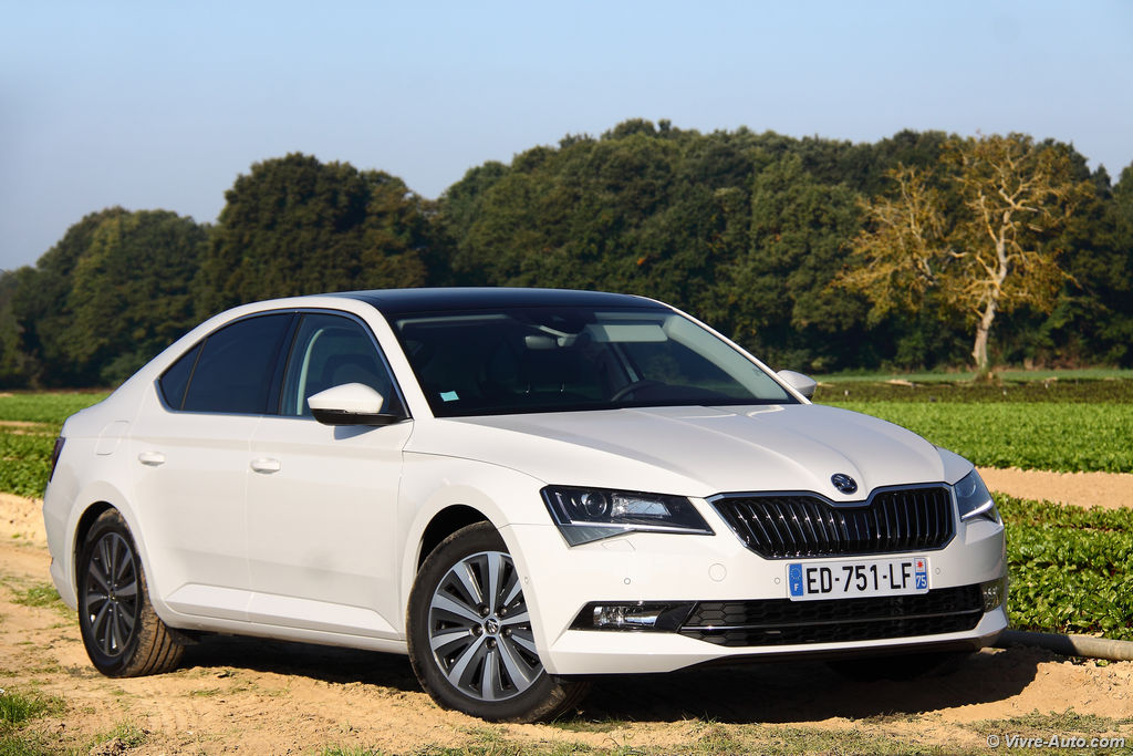 Lire l'article « Essai Skoda Superb GreenLine TDI 120, autonomie record ? »
