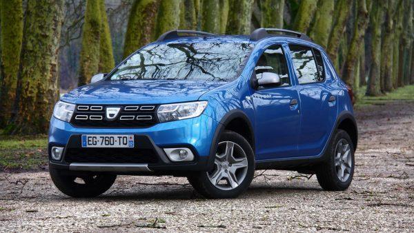 Avec ses nouveaux attributs de style, la Dacia Sandero apparaît plus jeune. La finition Stepway est toujours réussie !