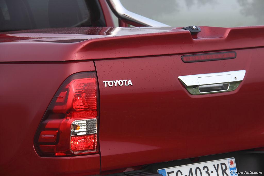Lire l'article «Essai Toyota Hilux Double Cabine Lounge 2.4D 150 BVA»