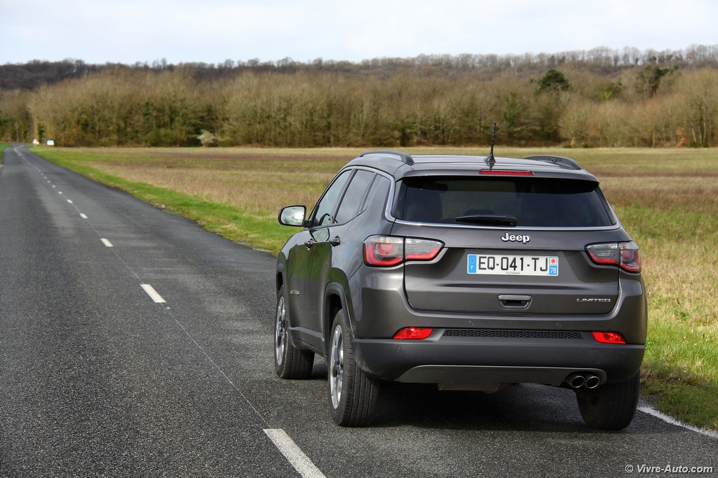 Lire l'article « Essai Jeep Compass 1,6l MultiJet 120 Limited, le SUV Compasscte »
