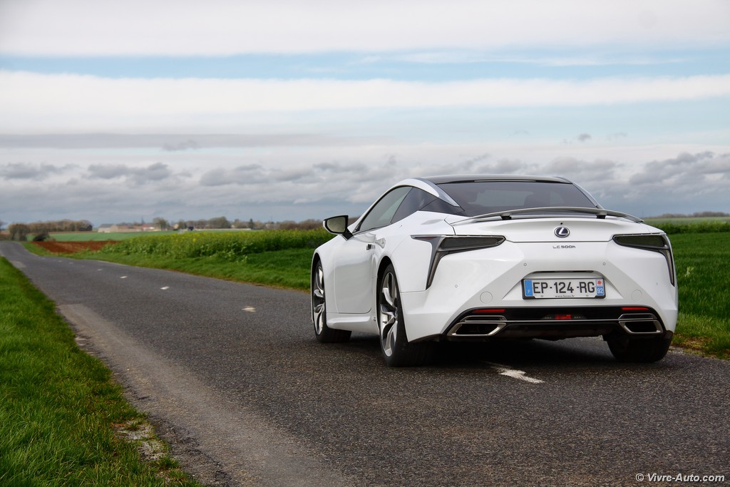 Lire l'article «Essai Lexus LC 500h Sport +, du rêve à la réalité»