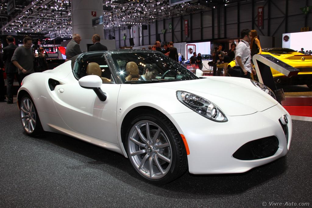 gen ve 2015 les photos de l 39 alfa romeo 4c spider. Black Bedroom Furniture Sets. Home Design Ideas
