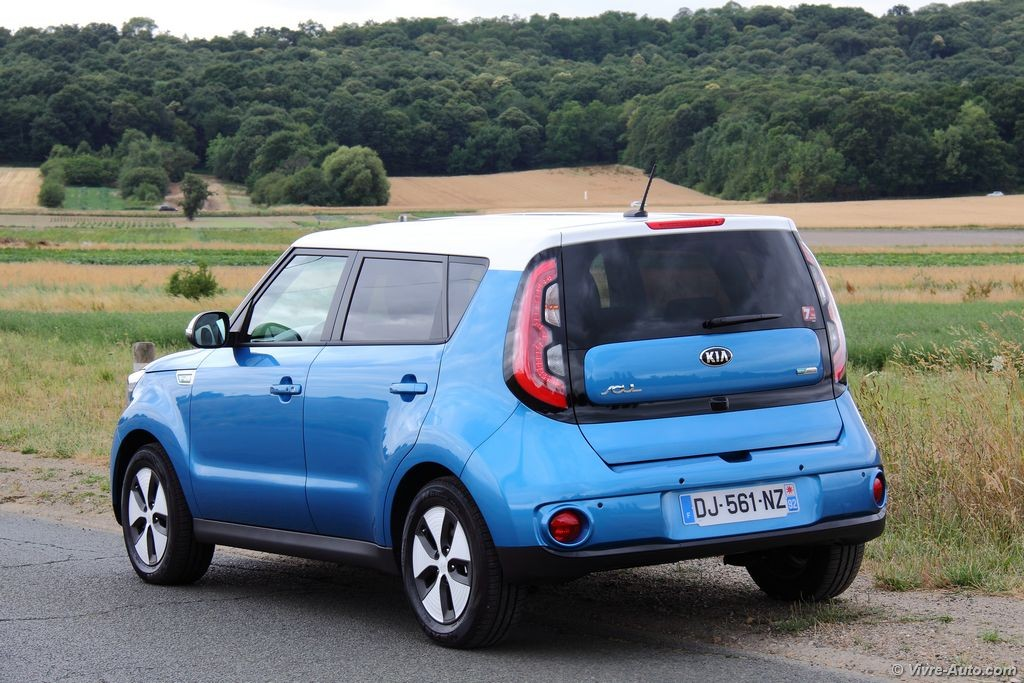 kia soul electrique kia soul ev crossover 100 lectrique kia motors france essai kia soul. Black Bedroom Furniture Sets. Home Design Ideas