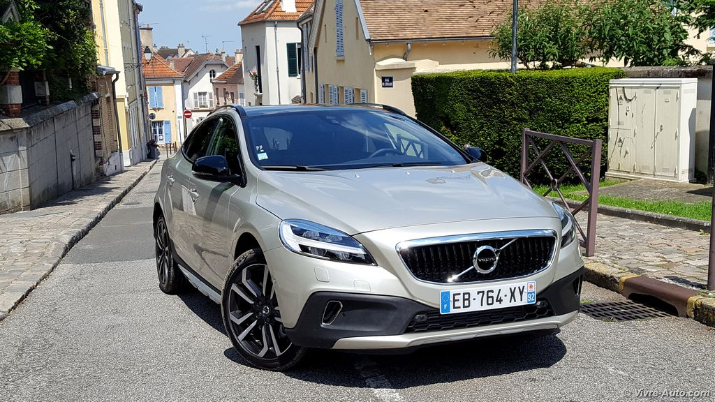 essai volvo v40 2016 v40 cross country 2016 prise en main. Black Bedroom Furniture Sets. Home Design Ideas